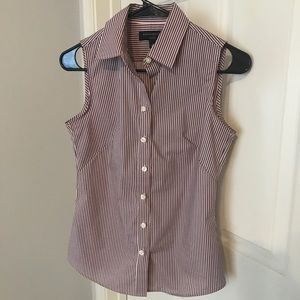 Banana Republic Fitted Sleeveless Button Down Top